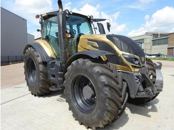 Radtraktor Valtra T214D Direct Smart Touch